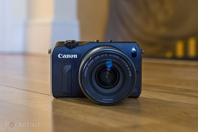 Canon EOS M - photo 1