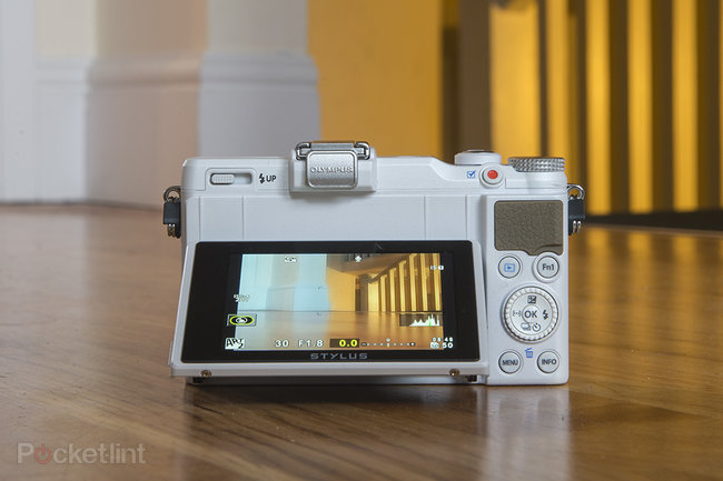 Olympus Stylus XZ-2 (white) - photo 4