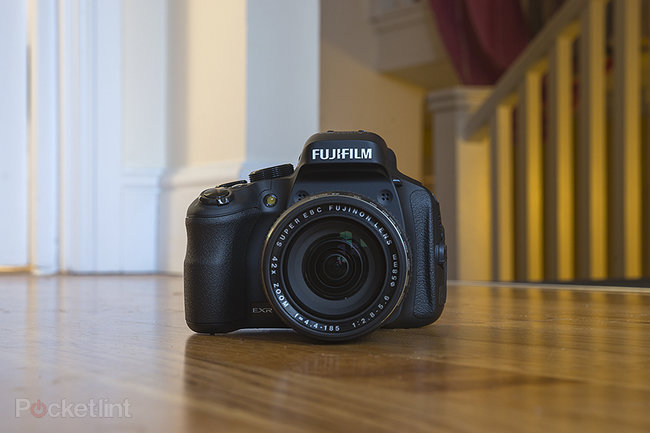 Fujifilm FinePix HS50EXR - photo 1