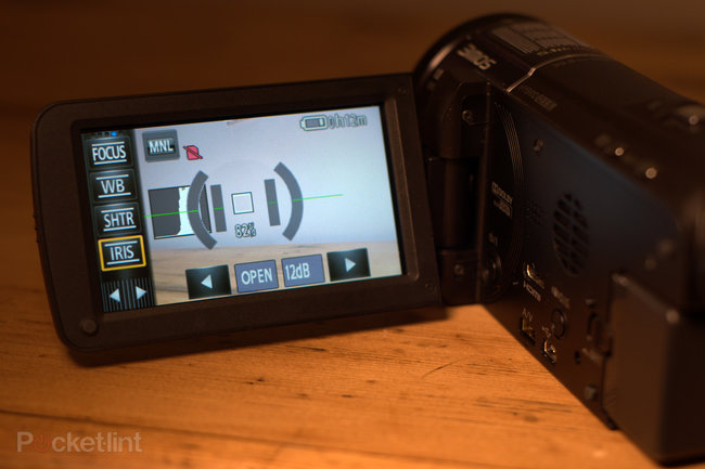 Panasonic HC-X920 camcorder - photo 11