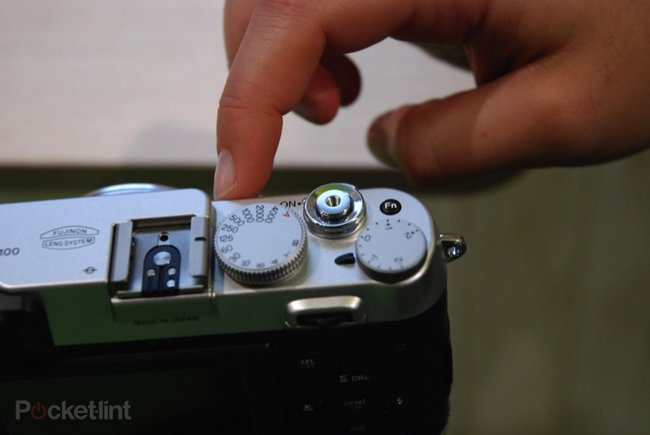 First Look: Fujifilm FinePix X100 - photo 7