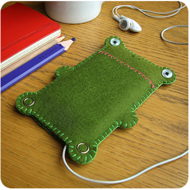 Frog-shaped iPhone cozy launches  - photo 3