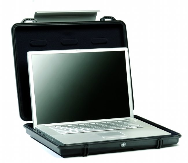 Peli promises to protect with 1090 laptop case - photo 2