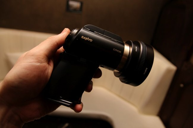 Sanyo Xacti DMX-HD2000 camcorder - photo 10