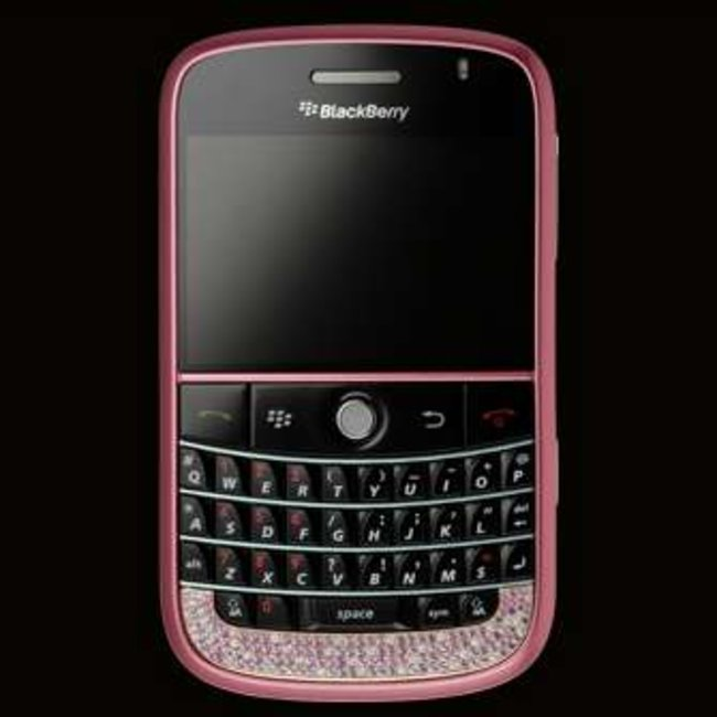 Amosu offers pink diamond BlackBerry Bold - photo 1