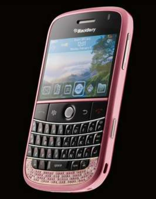 Amosu offers pink diamond BlackBerry Bold - photo 2