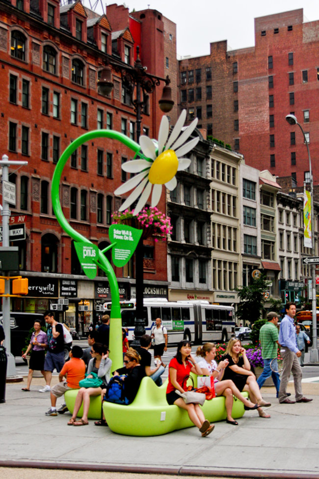 Solar powered flowers offer workers Wi-Fi and power - photo 10