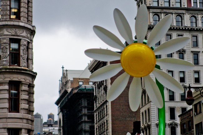 Solar powered flowers offer workers Wi-Fi and power - photo 9