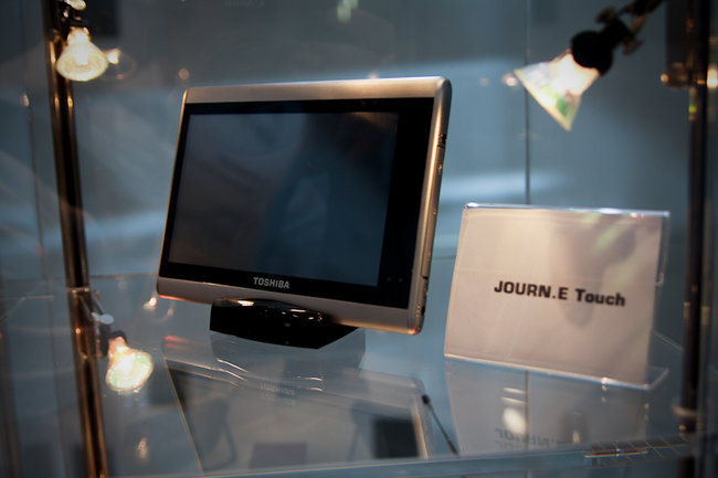 Toshiba goes tablet with the Journe Touch - photo 4