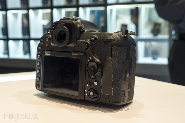 Nikon D500 hands-on preview: 'D5 mini' shows pro powers at smaller scale - photo 2