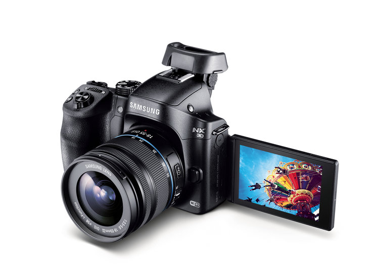 Samsung NX30 unveiled before