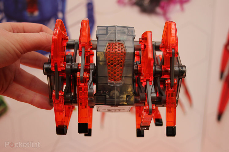 Hands-on: Hexbug Strandbeast