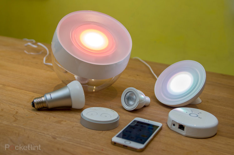 philips hue complete system review a shining light in the smart home pocket lint howldb. Black Bedroom Furniture Sets. Home Design Ideas