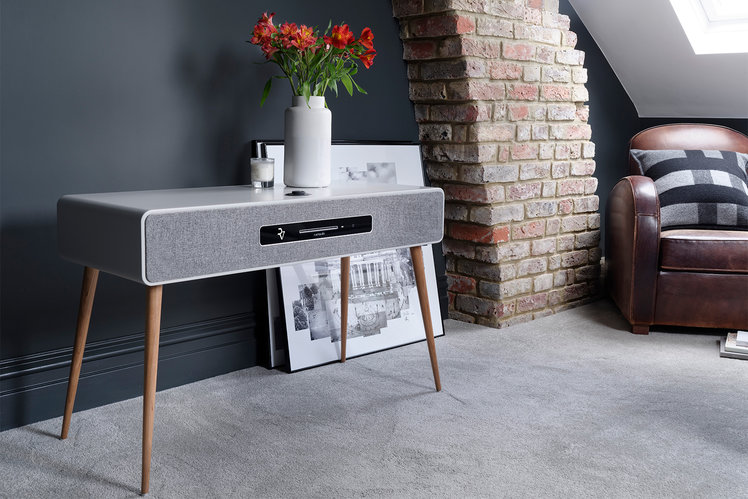 http://cdn.pocket-lint.com/r/s/748x/assets/images/141995-speakers-news-ruark-audio-r7-mkiii-radiogram-is-all-the-music-system-you-could-ever-need-image1-vnrzugf6ya.jpg