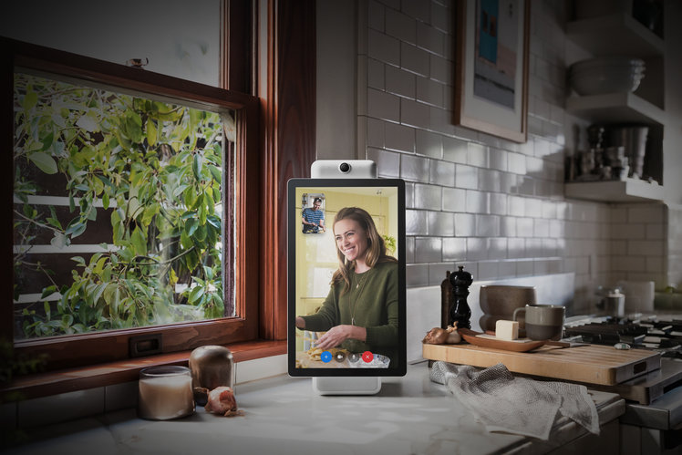 Facebook Portal gets a web browser, games, and $50 discount