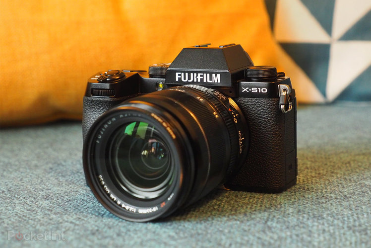 Fujifilm X-S10 initial review: Big features in a small, simplified package