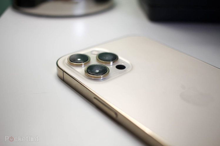 Apple iPhone might finally offer periscope zoom in 2022