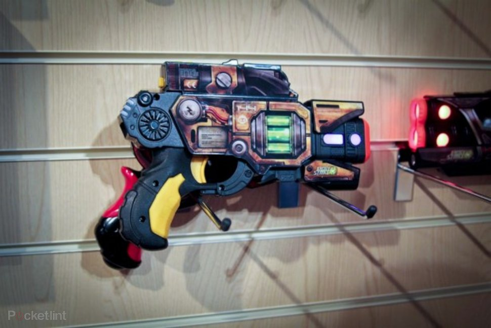 light strike from wowwee laser quest returns image 1