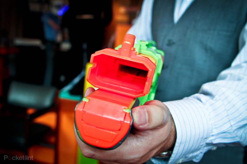 nerf vortex disc blasters hands on image 1