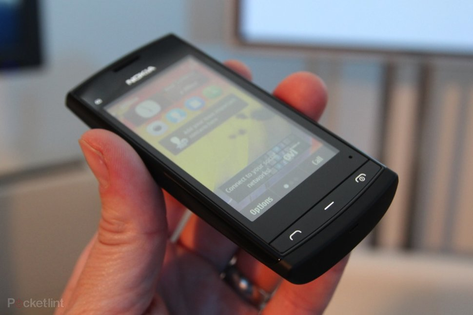 Nokia 500 pictures and hands-on