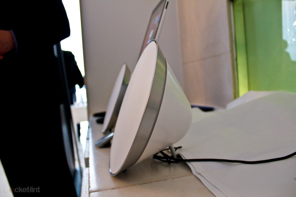 bang and olufsen beosound 8. bang olufsen beosound 8 ipod iphone ipad dock hands on image 14 and