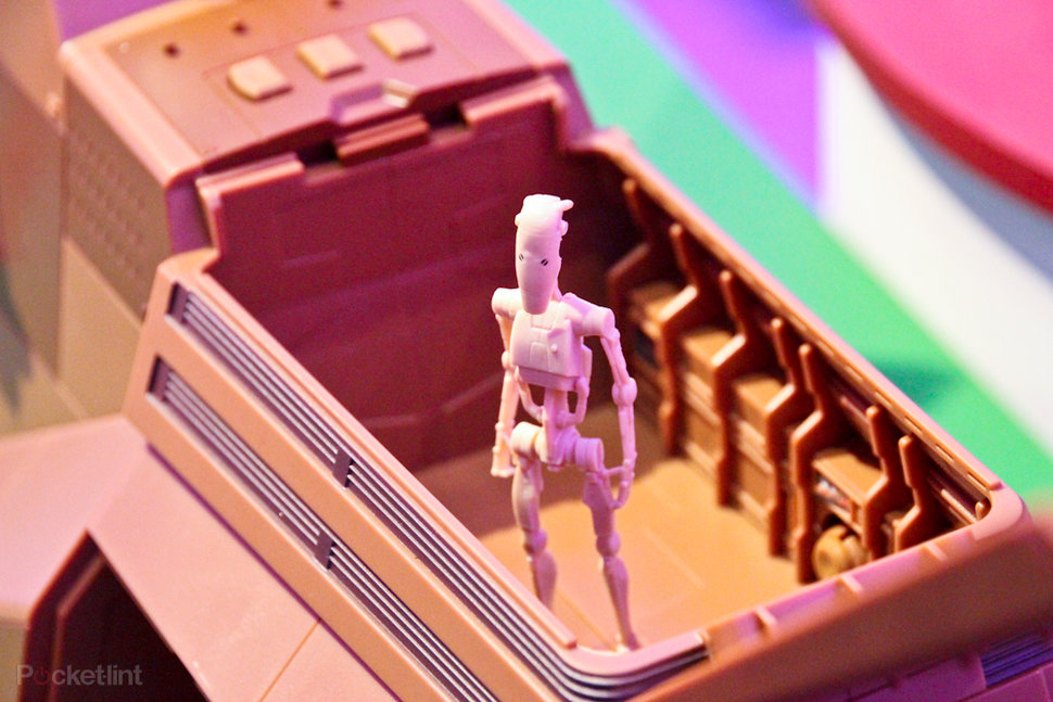 Hasbro Star Wars MTT Droid Carrier pictures and hands-on - Pock
