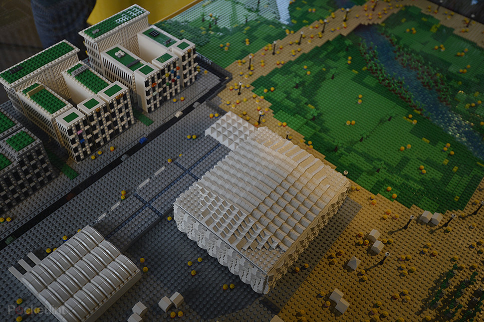 Lego-built London 2012 Olympic Park pictures and eyes-on - Pock