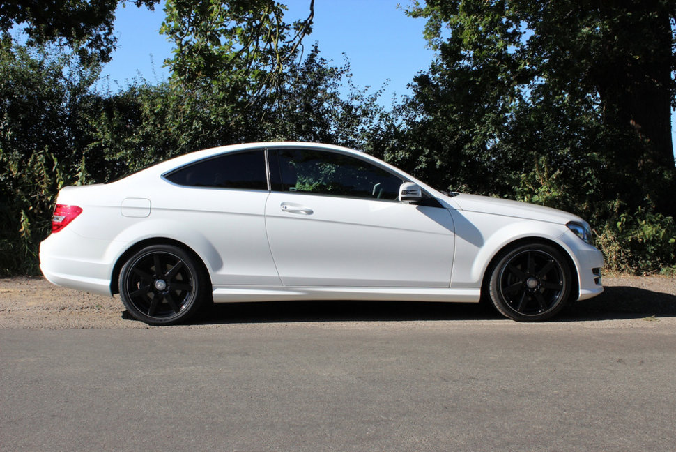 mercedes-benz c220 cdi blueefficiency amg sport coupe pictures and