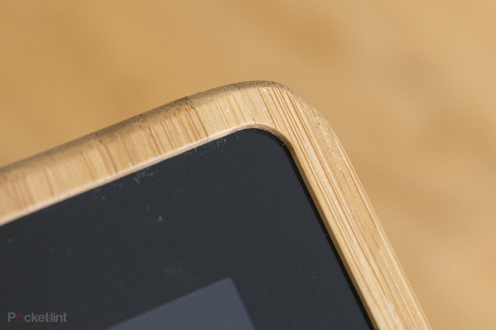Etch laser-cut bamboo iPad case looks tres cool: Personalise yo