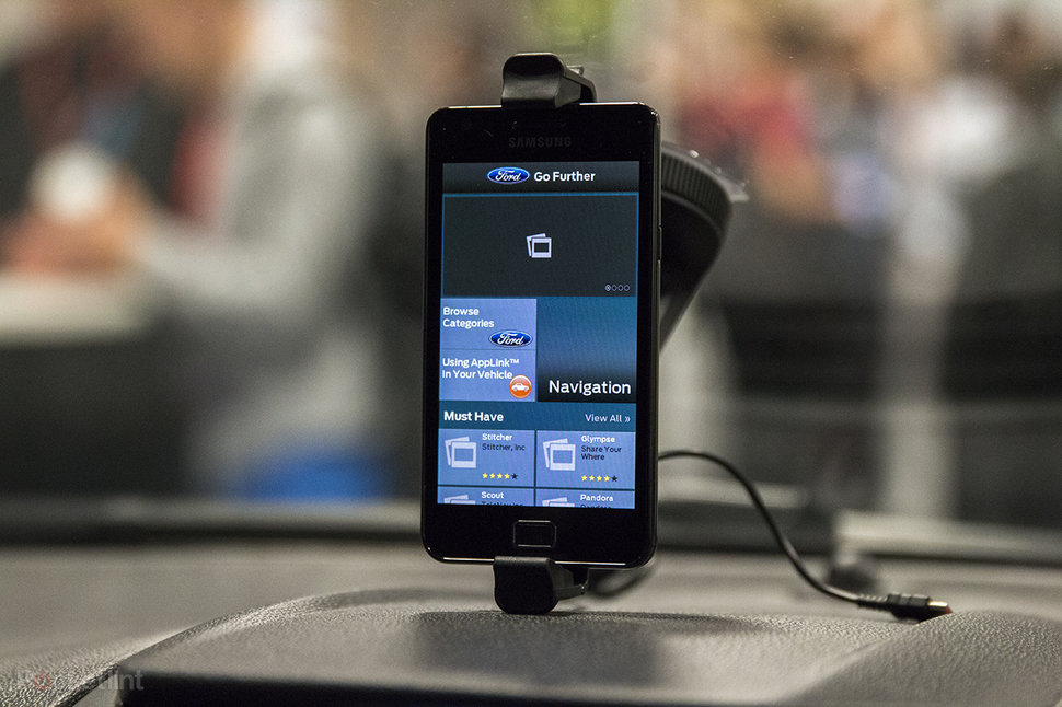 Ford Sync with AppLink 2 0 arrives, we test out the in-car voic