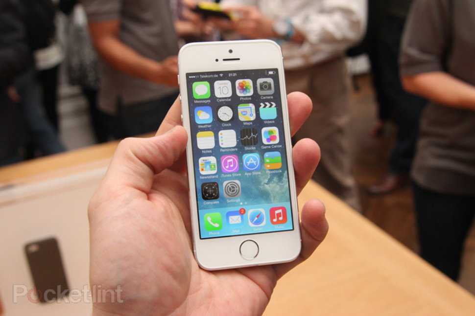 iPhone 5S can tell if you're walking, running or driving ...