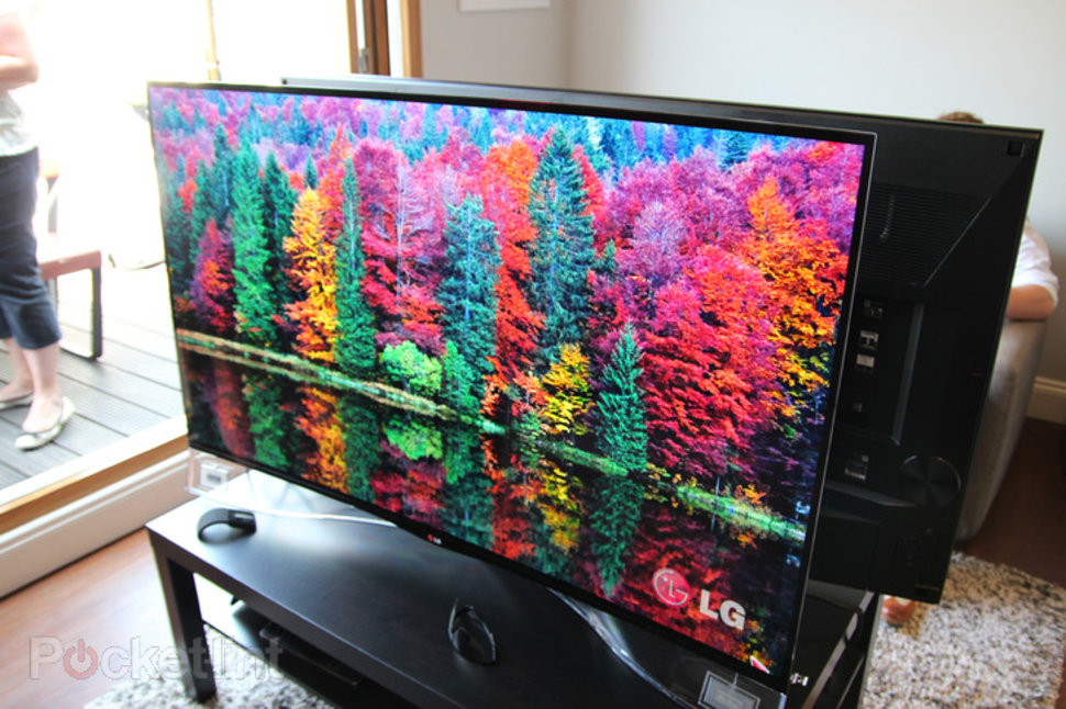 lg 55 inch curved oled tv is now available to buy in the uk pocket lint. Black Bedroom Furniture Sets. Home Design Ideas