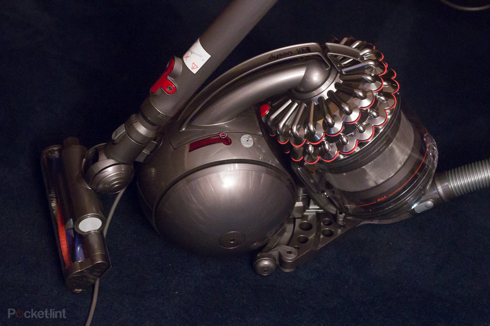 hands on dyson cinetic dc54 animal review image 1