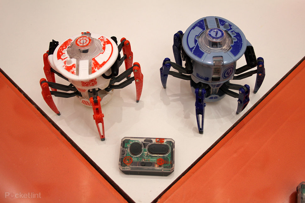 hands on hexbug battling spiders review videobeeld 1