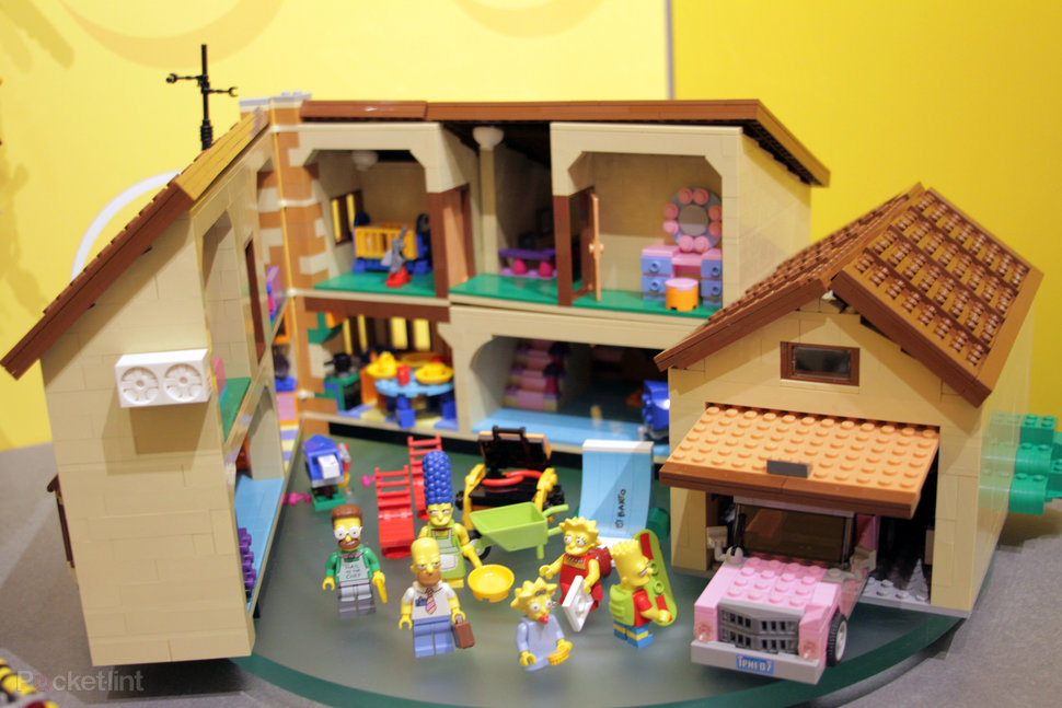 hands on lego the simpsons house review image 1