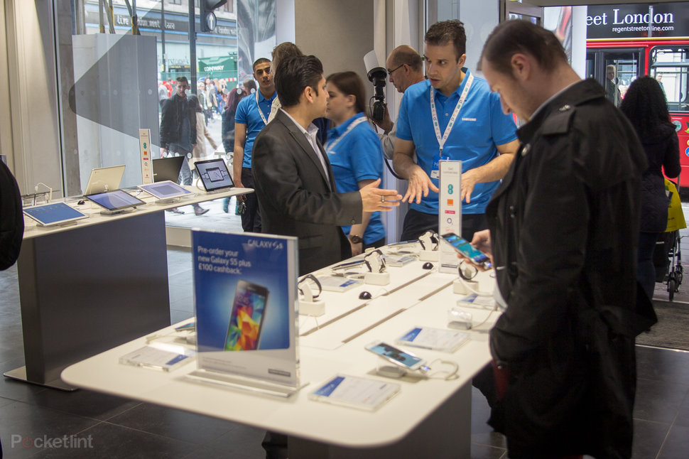 New Samsung Experience' stores let you get touchy feely - Pocke