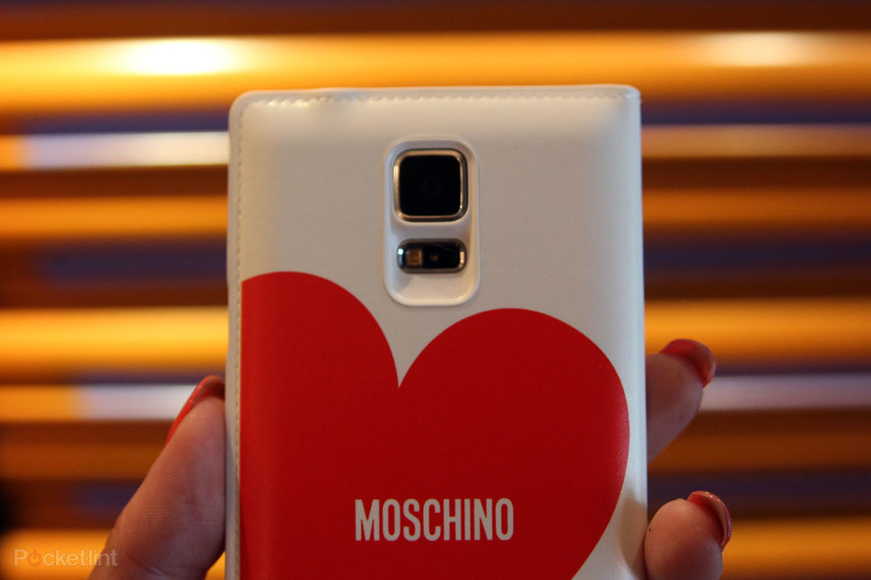 official photos a159c d1d56 Hands-on: Samsung Galaxy S5 Moschino case and Nicholas Kirkwood