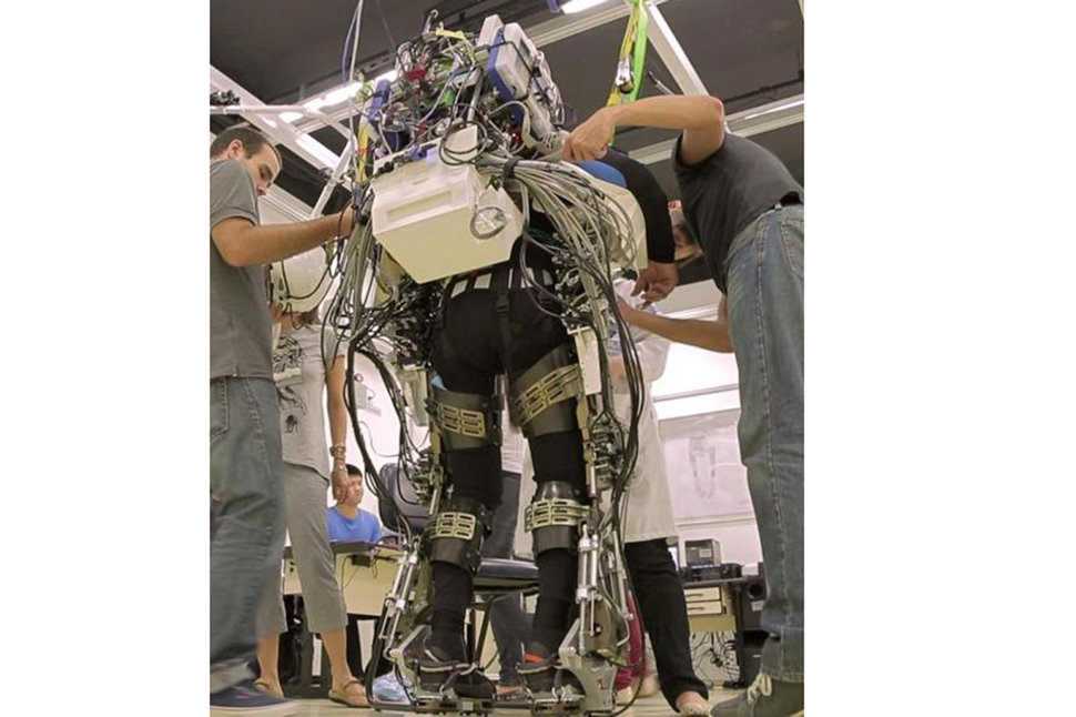 tech that makes the 2014 fifa world cup the most advanced ever including an exoskeleton image 1