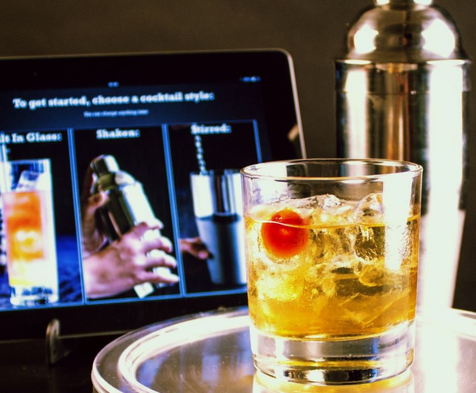use your phone to make the perfect cocktail every time app and scales combined image 1