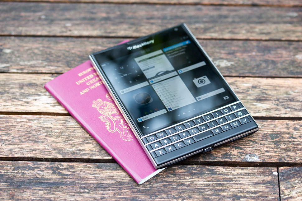 blackberry passport review image 1