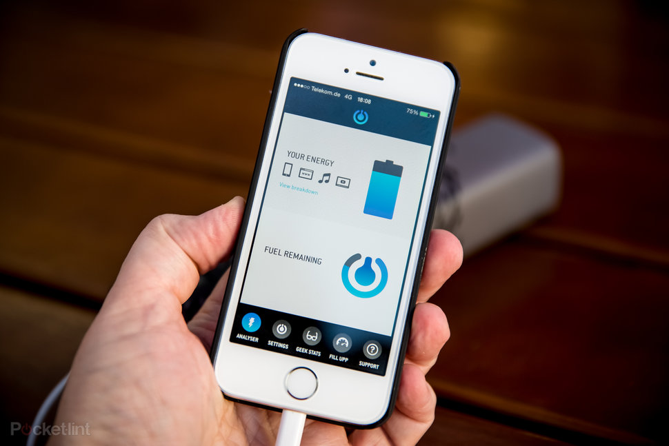 Upp hydrogen fuel cell phone charger now available in Apple Sto