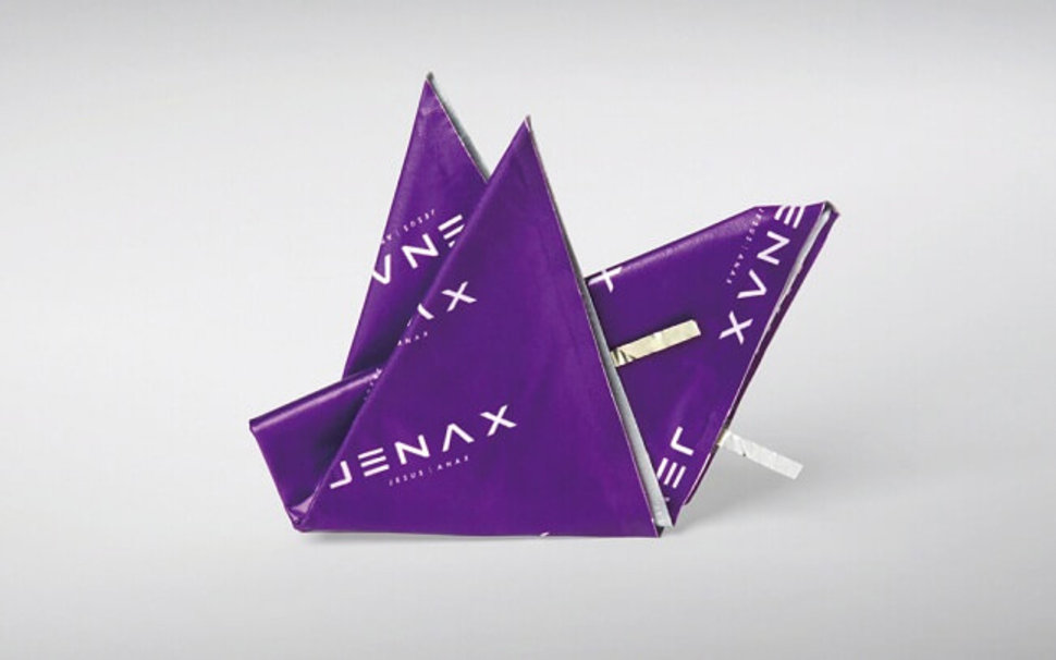 Jenax: Foldable battery for the Smartwatch of the Future