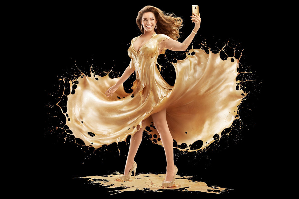 want to see kelly brook showered in gold for htc one m9 gold launch it s your lucky day image 1