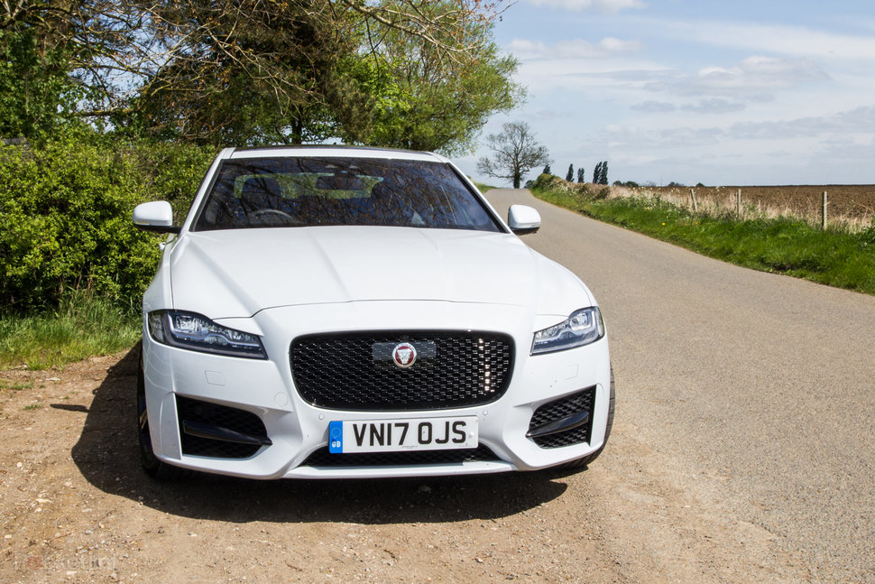 Jaguar Xf 2018 Sumptuous Luxury Now With New Engines Pocket Lint