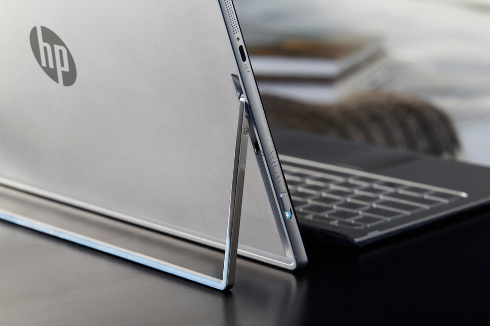 HP-Spectre-x2_on-table_lifestyle