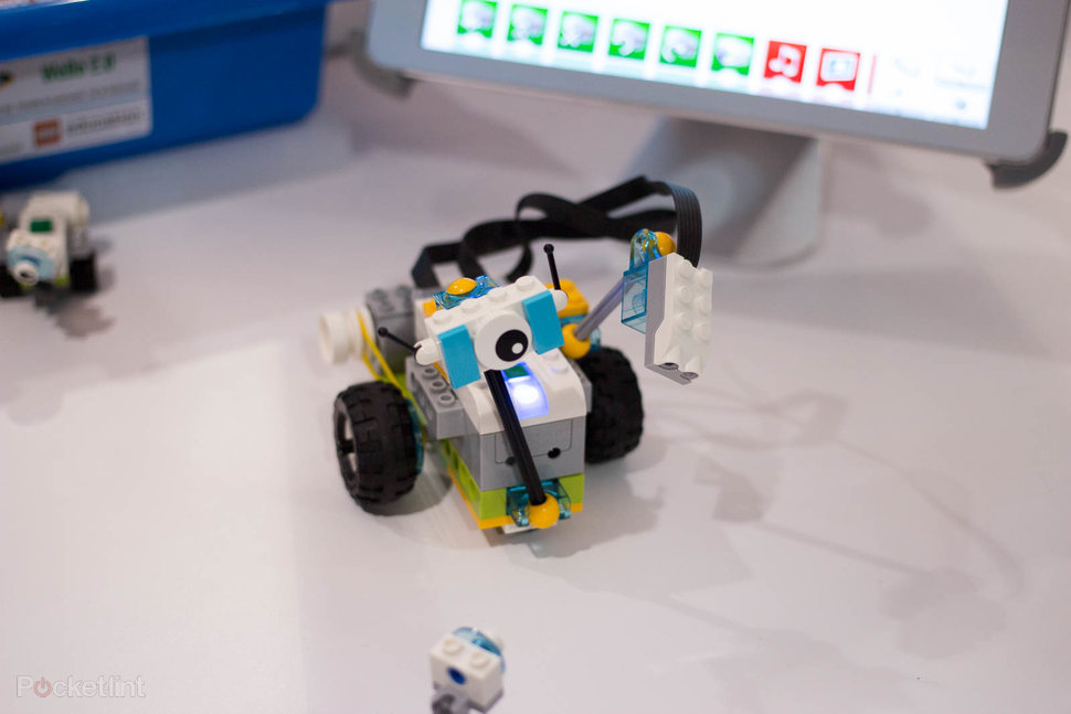 Lego Education Wedo 2 0 Brings Lego Robots To The