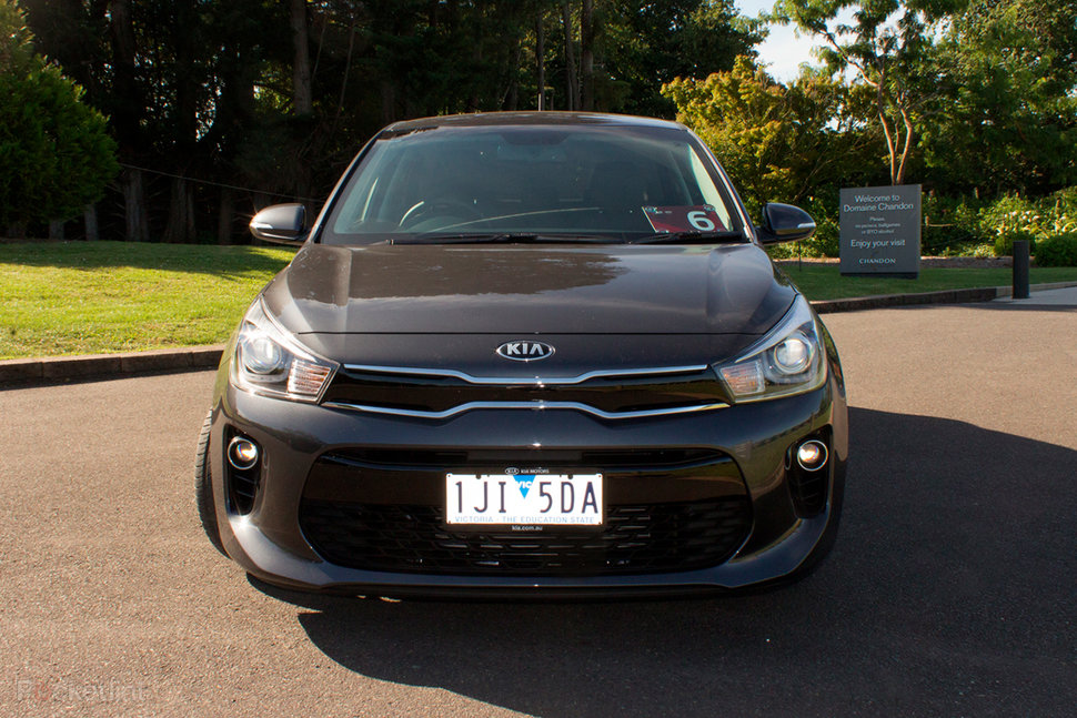 Kia Rio  2017  Review  All About Connectivity