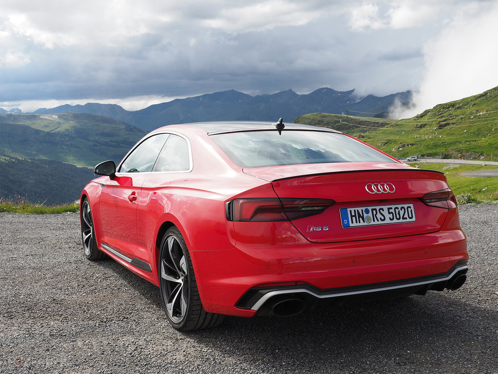 סנסציוני Audi RS5 (2017) review: Pedal to the metal HH-11