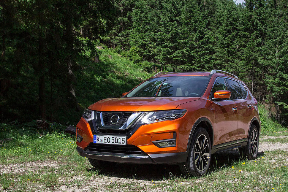 nissan x trail 2017 review great value suv gets premium updates pocket lint. Black Bedroom Furniture Sets. Home Design Ideas