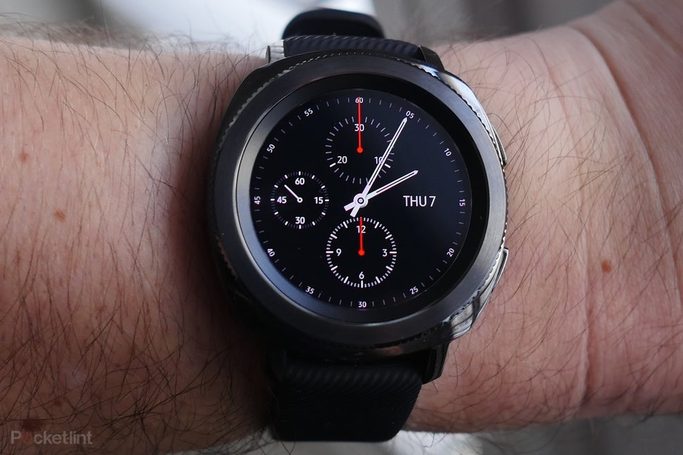 Samsung Gear Sport review: Health-tracking in a compact ...